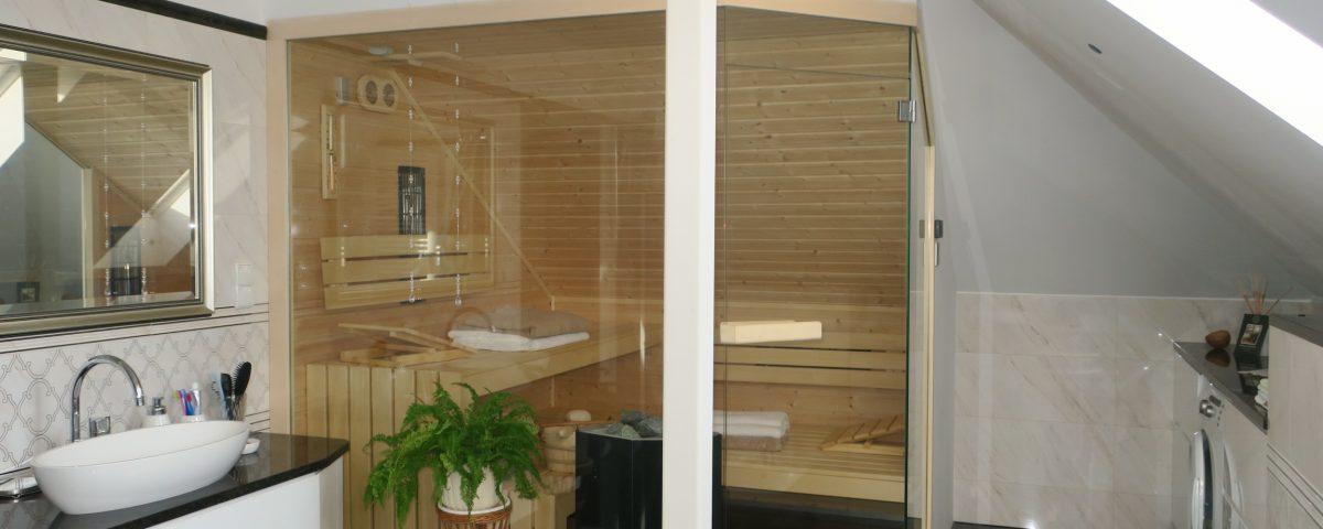 Sauna z przeszklonymi ścianami